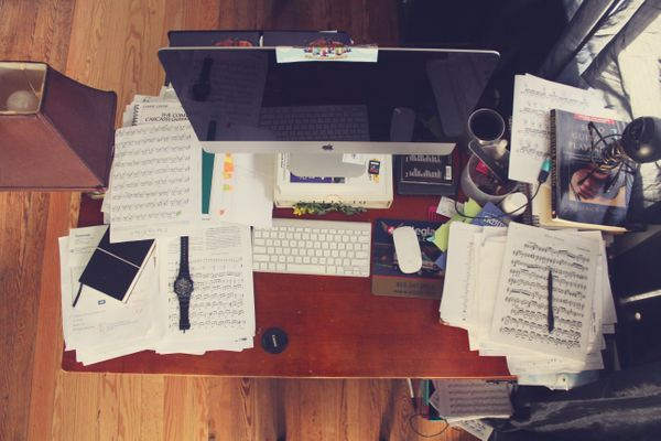 Do Yourself—and Your Productivity!—a Favour: Choose the Perfect Desk