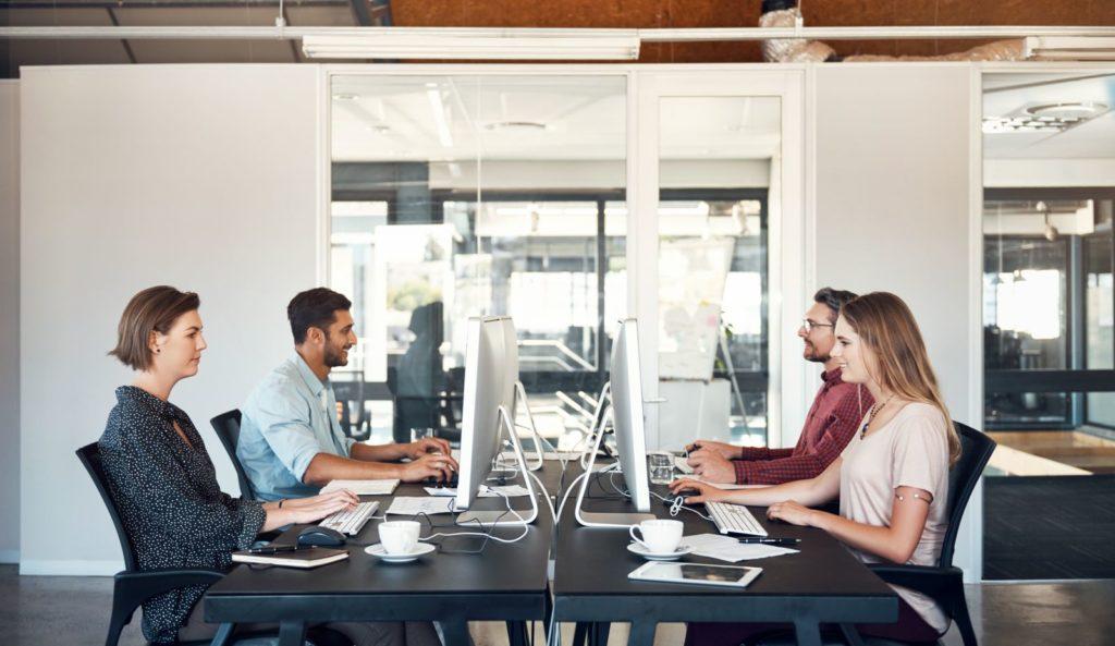 Augmentez la productivité au bureau en améliorant le confort des postes de travail