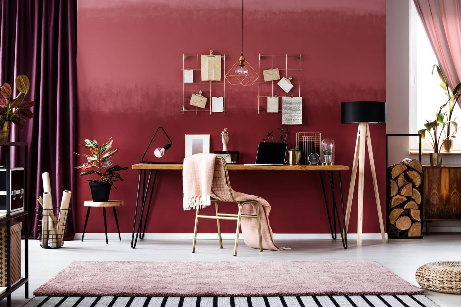 Home office with burgundy tones