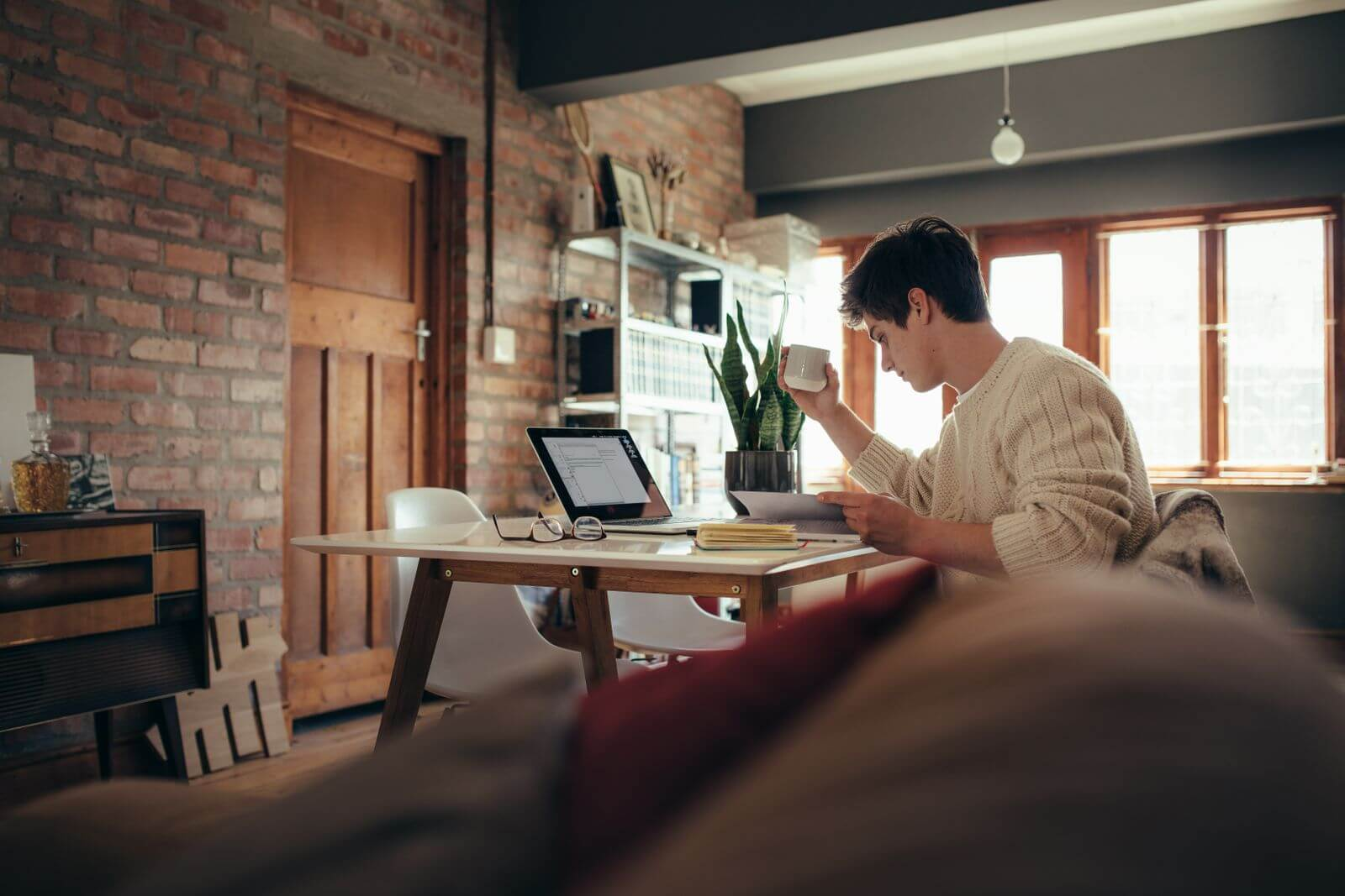 What Are the Benefits of Letting Your Employees Work from Home?