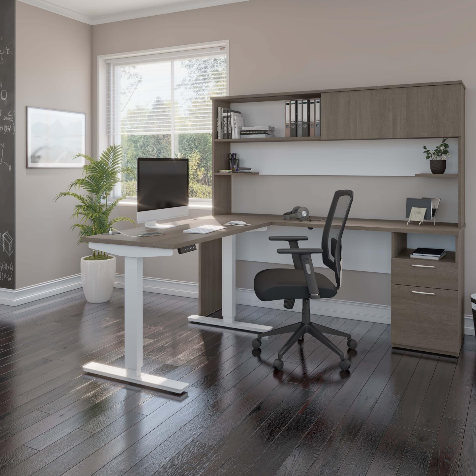 Bureau à domicile avec un bureau assis-debout en L